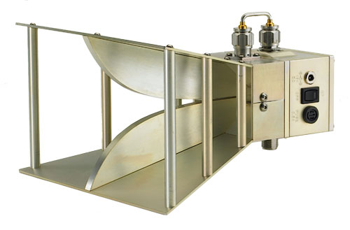 Wide Band Active Horn Antenna